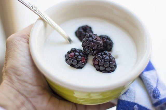 blackberries and greek yogurt
